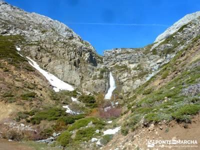 Montaña Leonesa Babia;Viaje senderismo puente; puente de diciembre dias viajes fin de semana arbol